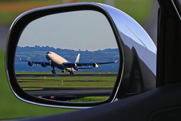 Geen ontslag voor straatracende piloot