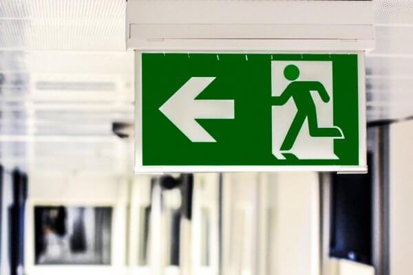 Let op met beding dat arbeidsovereenkomst eindigt bij pensioengerechtigde leeftijd