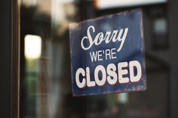 Hurende horecaondernemers moeten sluiten als gevolg van de Corona-maatregelen. Kan de verhuurder de huurder aanspreken voor volledige en tijdige huurbetalingen?