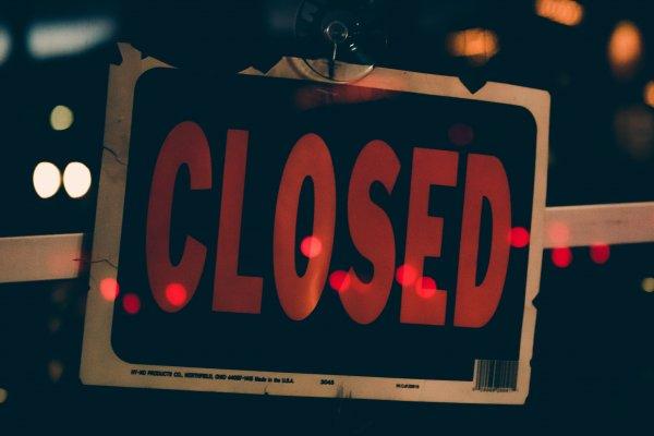 Werkgever mag loon niet verminderen bij financiële problemen wegens corona