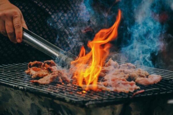 Barbecuestandaard maakt inbreuk op modelrechten