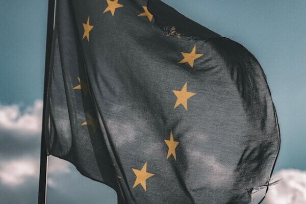 Europese Commissie geeft de Nederland een laatste kans Aanbestedingsplicht voor woningcorporaties – Deel IV