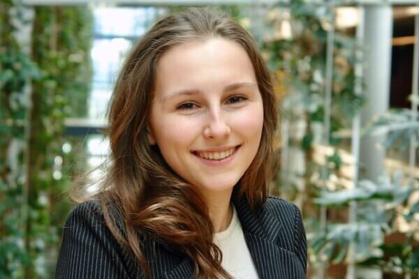 Linde Miltenburg, onze nieuwe stagiaire, stelt zich voor